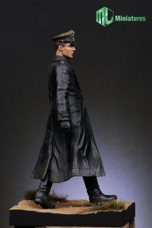 Oficial Aleman  (Vista 4)
