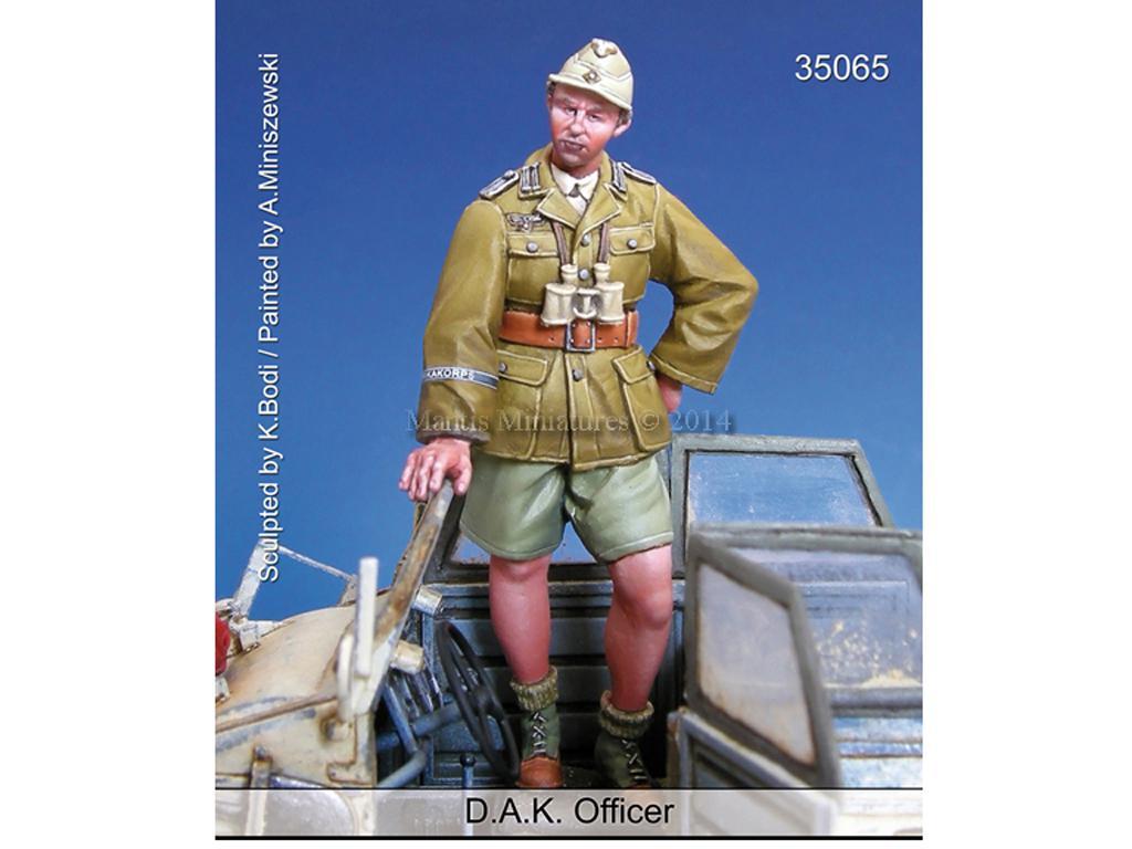 Oficial D.A.K. (Vista 1)