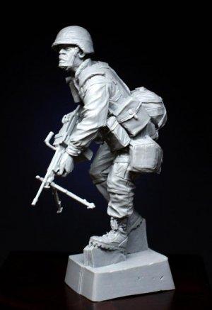101st Airborne SAW Gunner   (Vista 1)