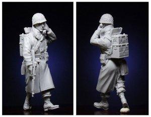 US Infantryman with Walkie-Talkie  (Vista 2)