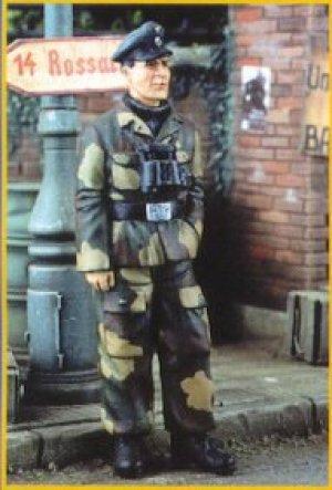 Oficial Aleman Ardennas 1944  (Vista 1)