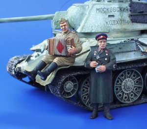 Acordeonista y Oficial Rusos  (Vista 1)