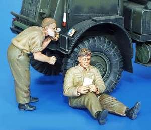 Soldados Britanicos afeitandose  (Vista 1)