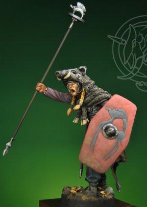 Gallic Chieftain with Boar Standard 1st   (Vista 2)