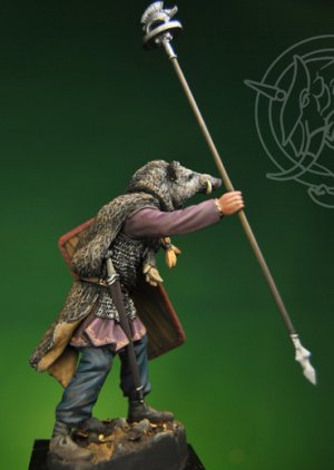 Gallic Chieftain with Boar Standard 1st   (Vista 3)