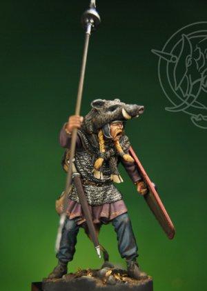 Gallic Chieftain with Boar Standard 1st   (Vista 4)