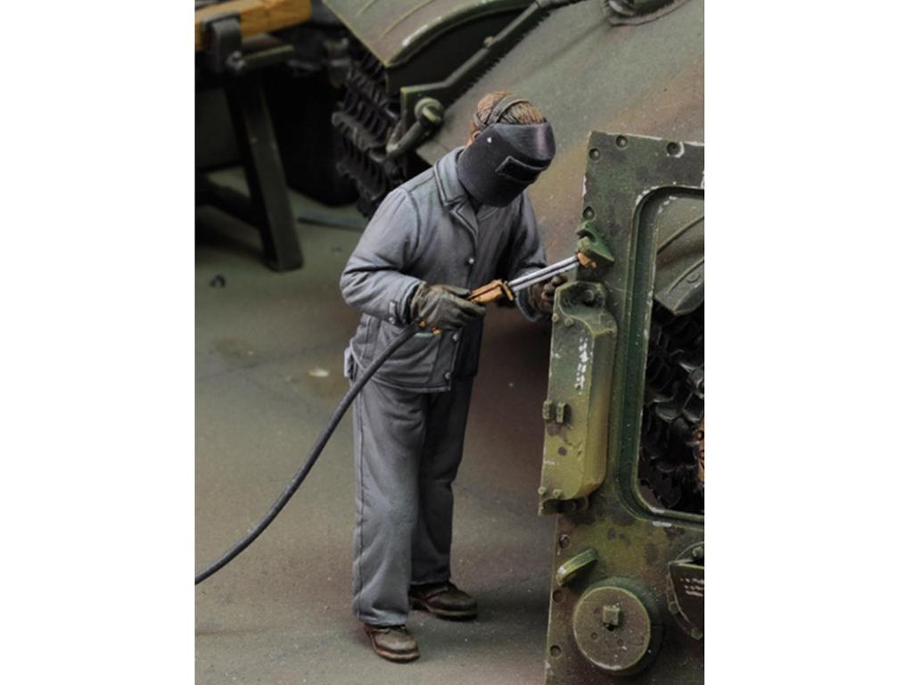 Hombre con soldadora eléctrica Nº 3 (Vista 1)