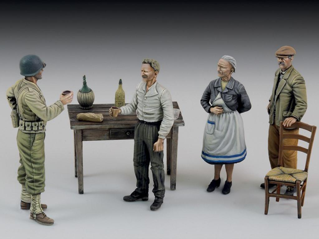 Soldado de los EE.UU. con civiles (Vista 1)