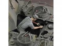 Mecanico Aleman Trabajando (Vista 7)