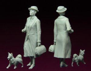 Elderly Lady  (Vista 2)