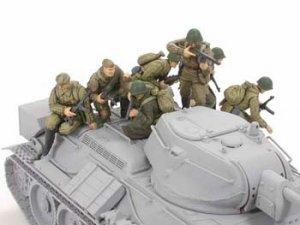 Infanteria Rusa y Tanquistas  (Vista 2)
