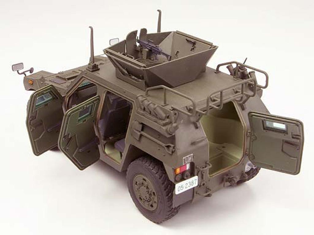 JGSDF Light Armored Vehicle (Vista 5)