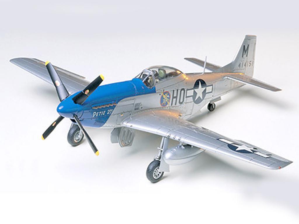 Horth American P-51D Mustang 8th AF (Vista 2)