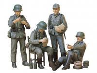 Soldados de la Wermatch descansando (Vista 6)