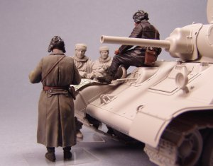 Soviet tank officers. Winter 1941-42  (Vista 4)