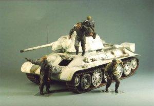 Tanquistas Sovieticos escapando  (Vista 3)