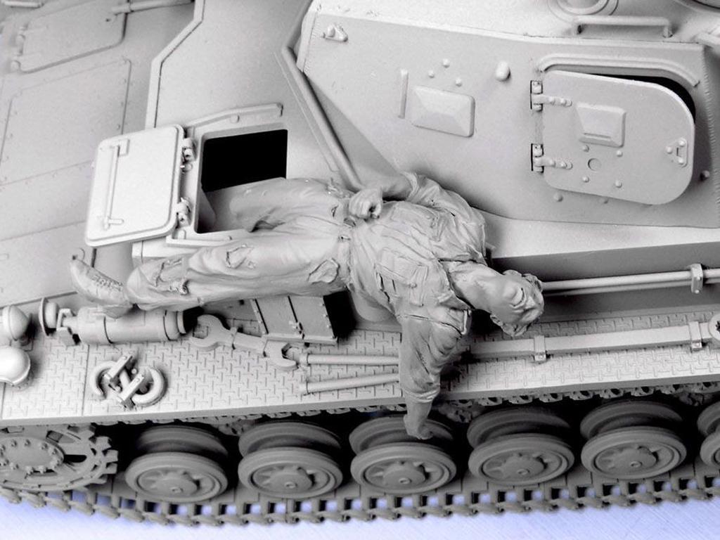 Tripulacion Alemana escapando del Tanque (Vista 4)