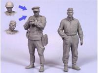 Oficiales soviétcos, tanquista y soldado (Vista 4)