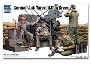German Anti-Aircraft Gun Crew   (Vista 1)