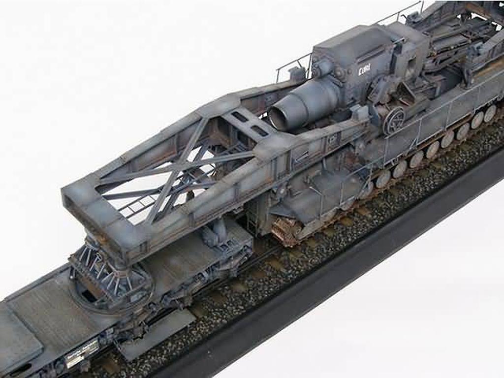 Morser-Karl con vagones de transporte (Vista 2)