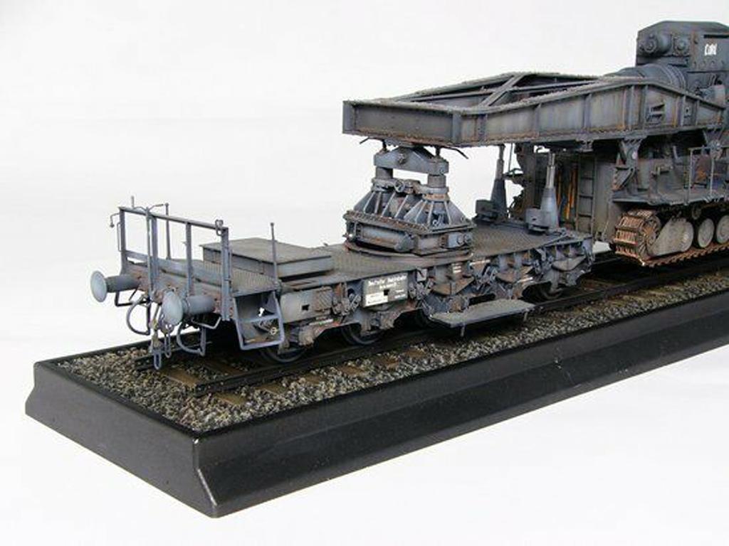 Morser-Karl con vagones de transporte (Vista 4)