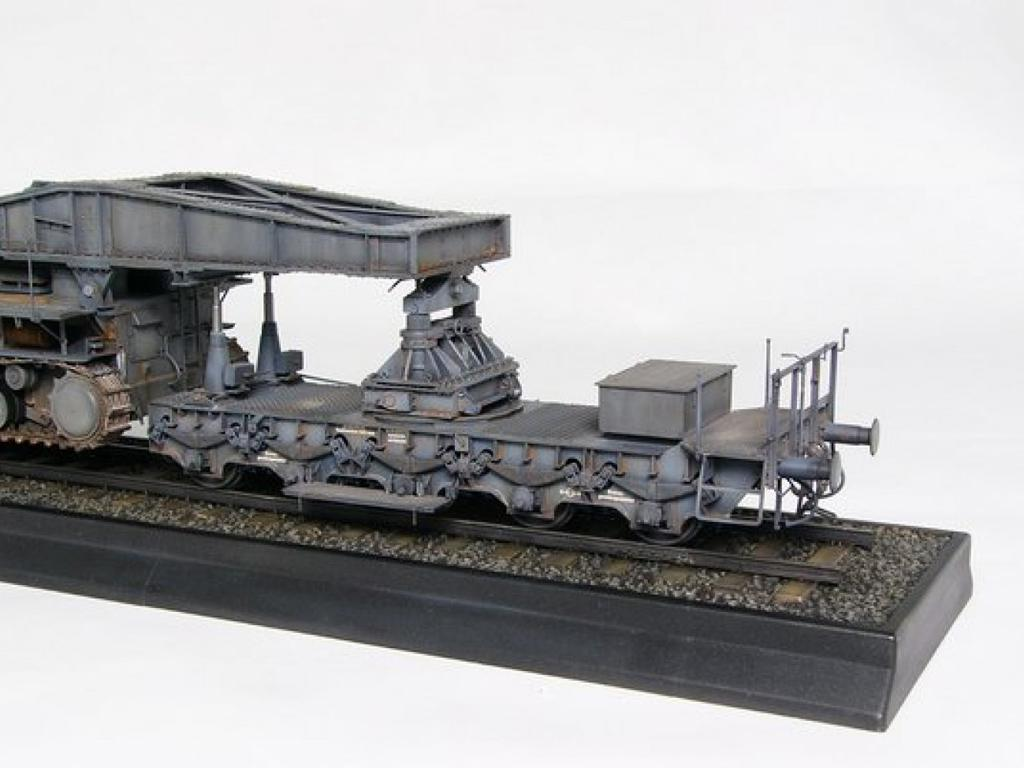 Morser-Karl con vagones de transporte (Vista 5)