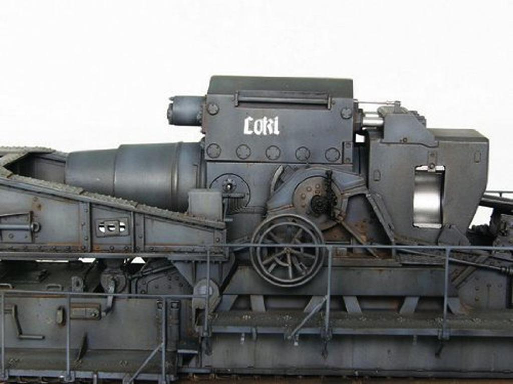 Morser-Karl con vagones de transporte (Vista 6)