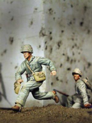 U.S. Navy Corpsman WWII, Running  (Vista 1)