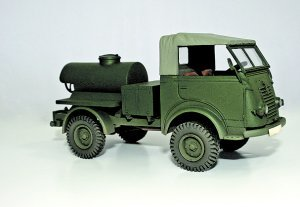 Camion Cisterna Renult - Ref.: WESP-35077
