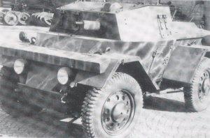 Mussolini's Tanks  (Vista 3)