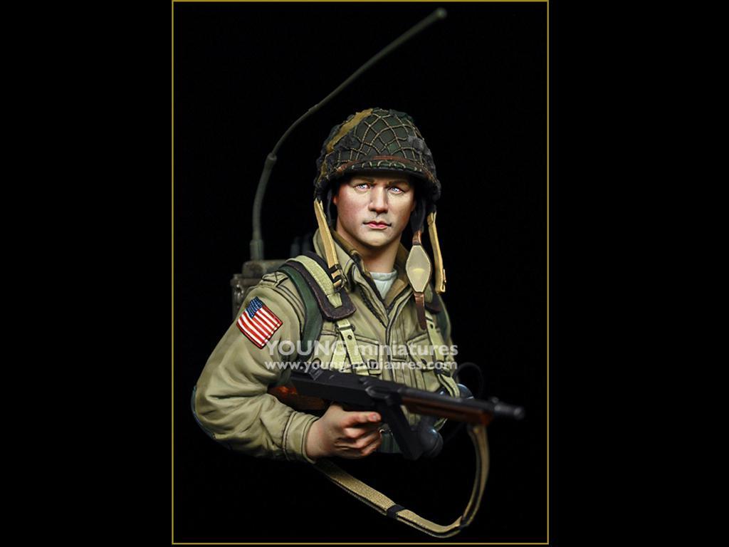 US Airborne Radio Operator Carentan 1944 (Vista 1)