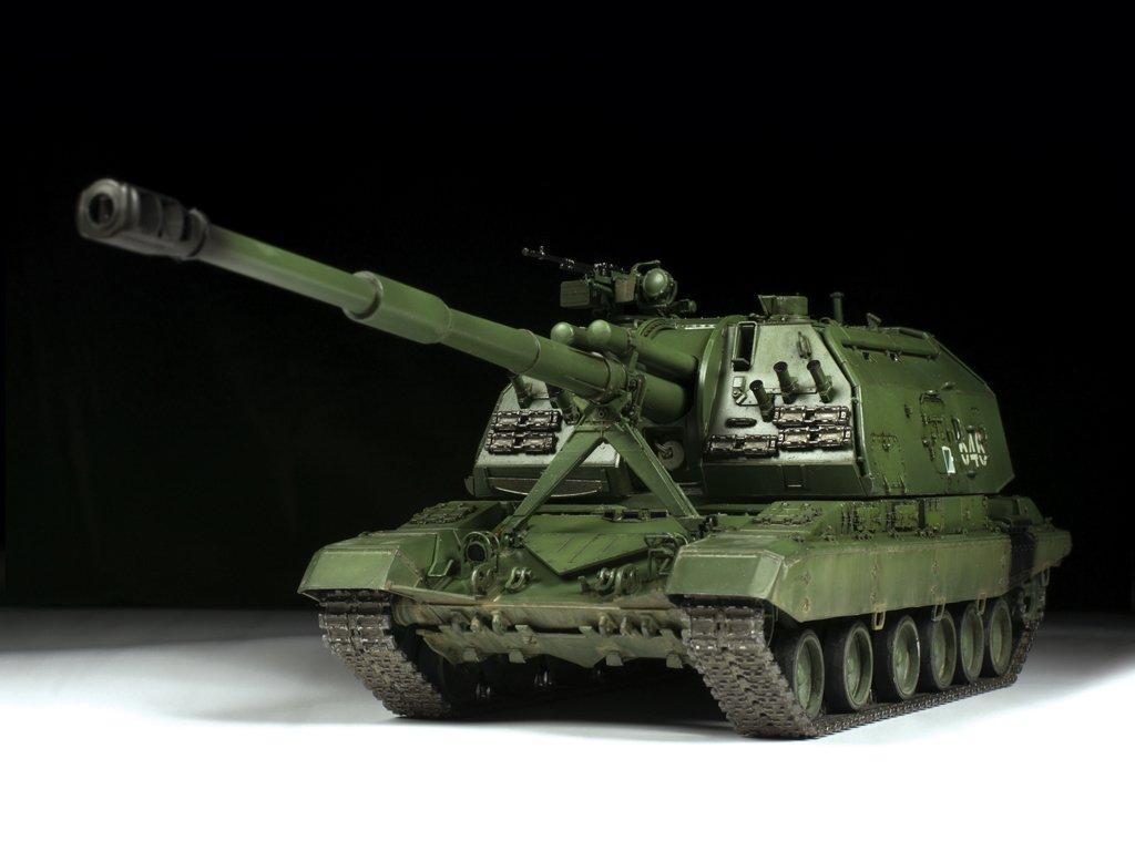 Zvezda 1//35 scale MSTA Self Propelled Howitzer